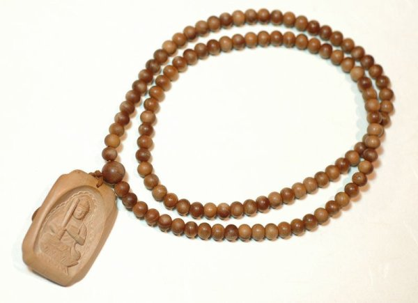画像1: 白檀守護仏ネックレス (1)